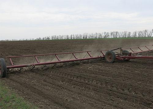 Подготовка почвы с помощью СЦ-12